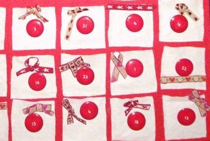 calendario dell'avvento in feltro a forma di albero di Natale - le caselline